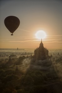 ballonos over bagan